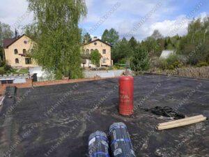 Крыша гаража, покрытая рубероидом