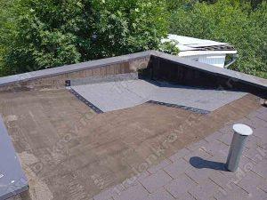 Ремонт крыши дома рулонными битумными материалами